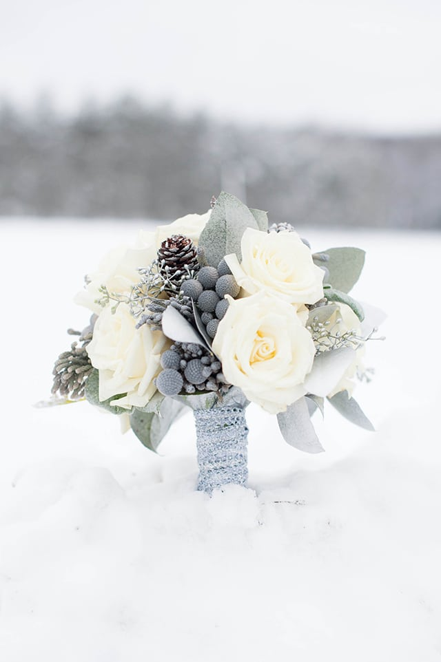 Winter Bouquet // Photography by Alison Mish Photography, Flowers by Posies by Patti
