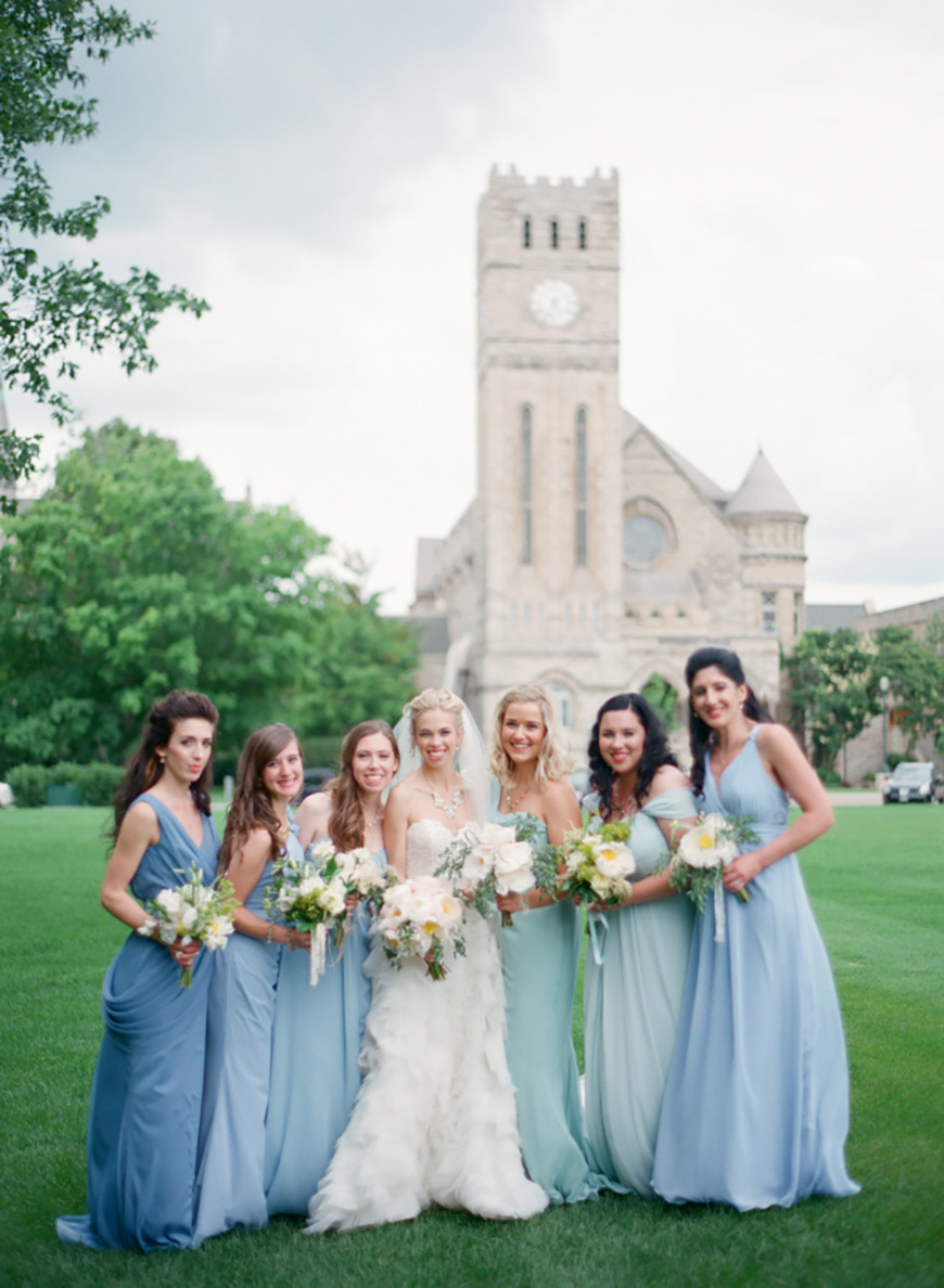Group photo of bride and bridesmaids wearing Blue-green gradient dresses