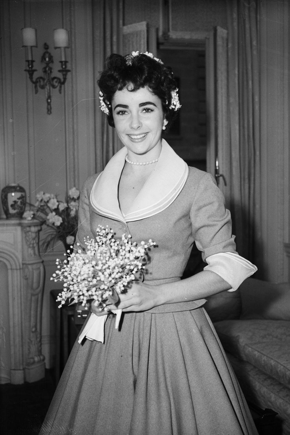 Elizabeth Taylor's 1952 wedding dress