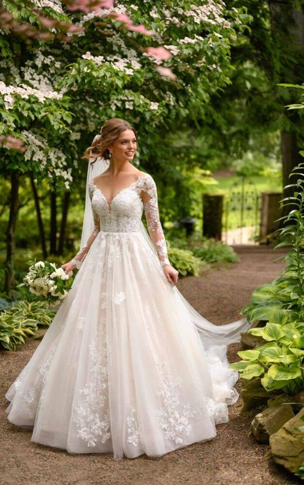 Essense of Australia mixed-lace ballgown