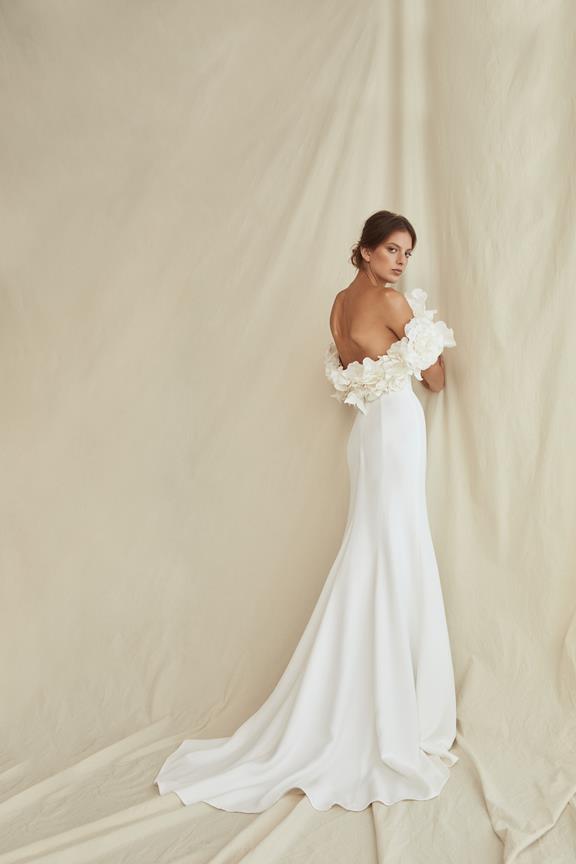 Floral off-shoulder gown by Oscar de la Renta