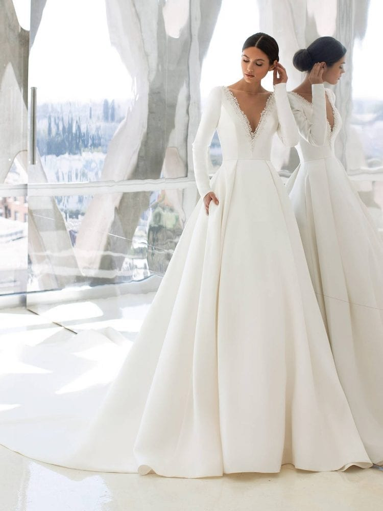 Hepburn wedding dress from the Pronovias wedding collection