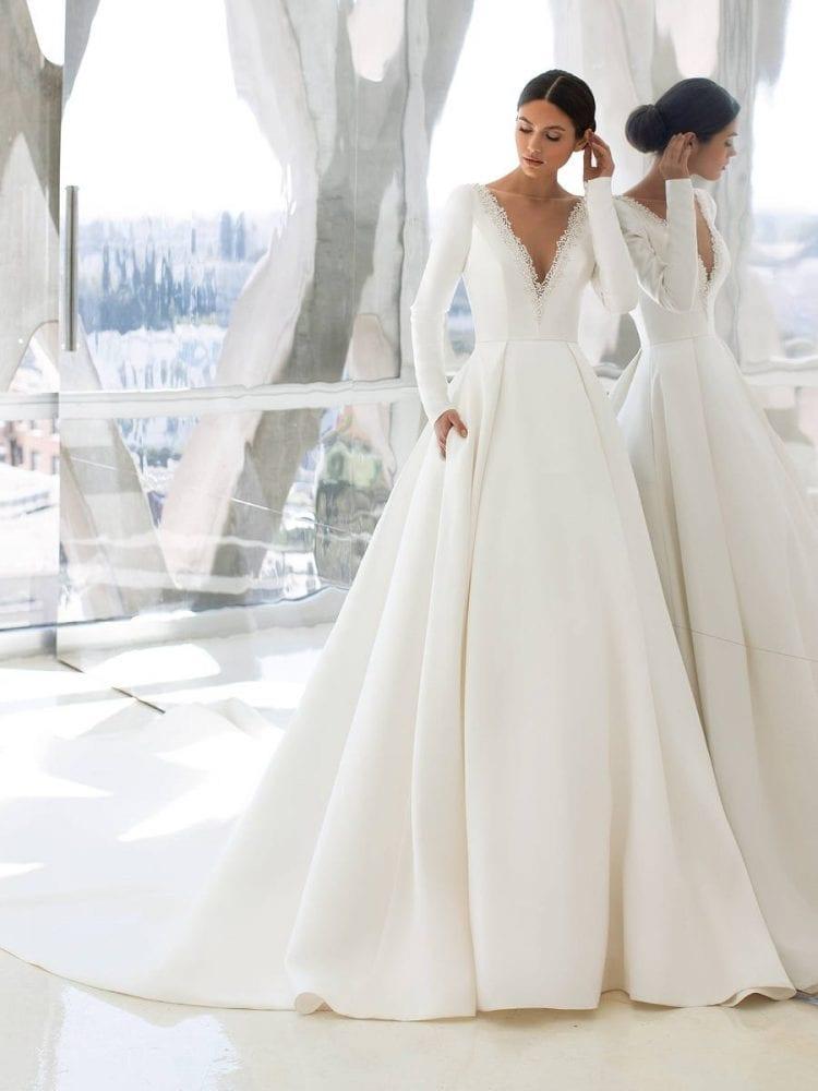 Hepburn wedding dress from the Pronovias wedding collection