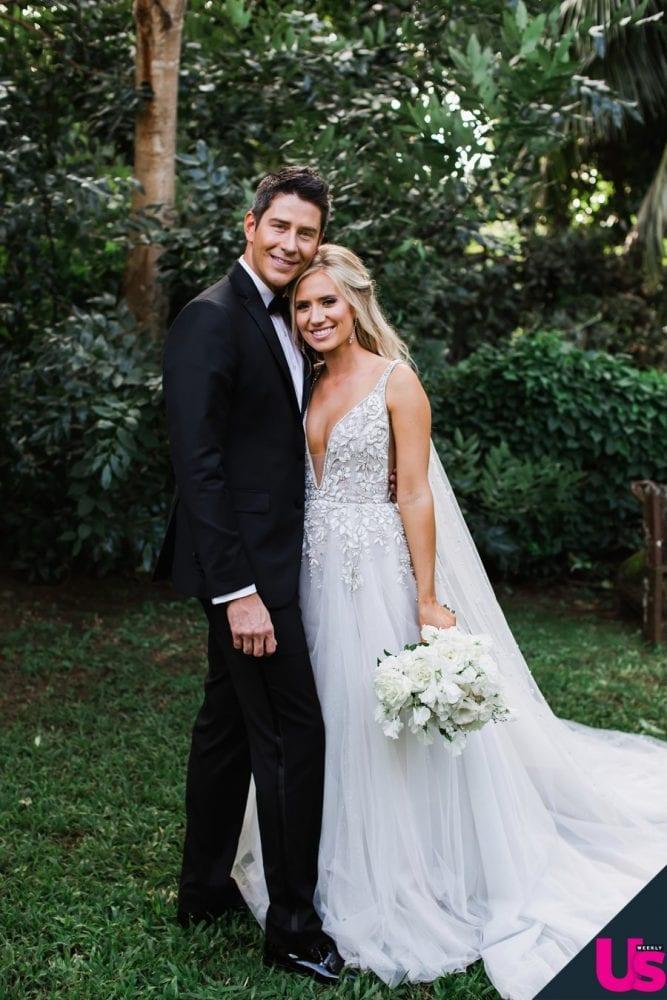 Lauren Burnham in her Hayley Paige wedding dress
