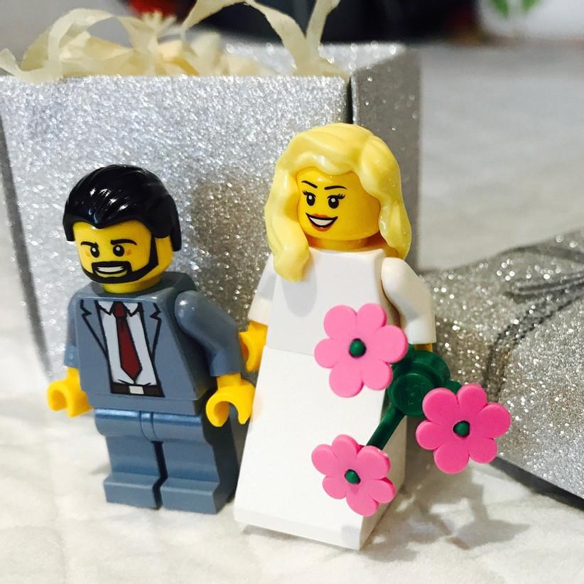 Lego figurine favors