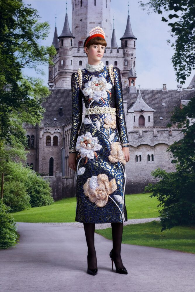 Live like a queen by Viktor&Rolf