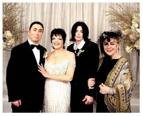 Liza Minelli's 2002 wedding dress