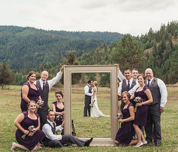 12 Incredible Bridal Party Photos (& How to Recreate Them)