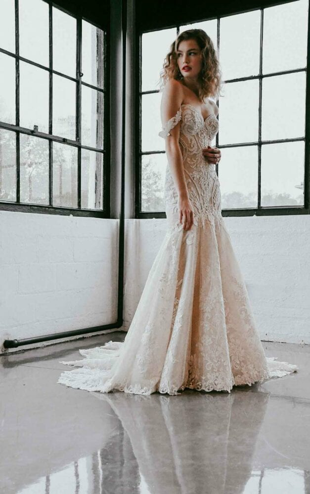 Off-shoulder lace Martina Liana dress