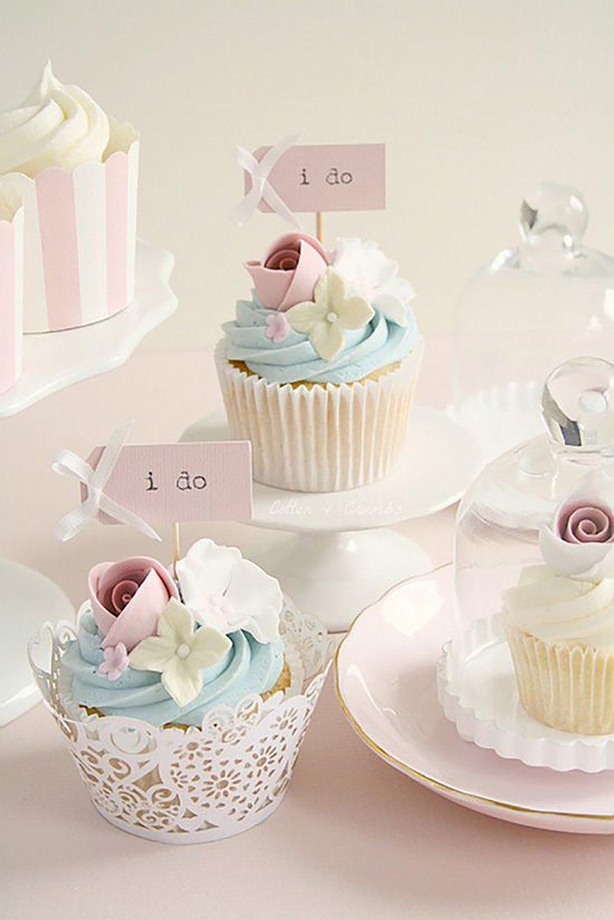 Pastel blue & pink cupcakes