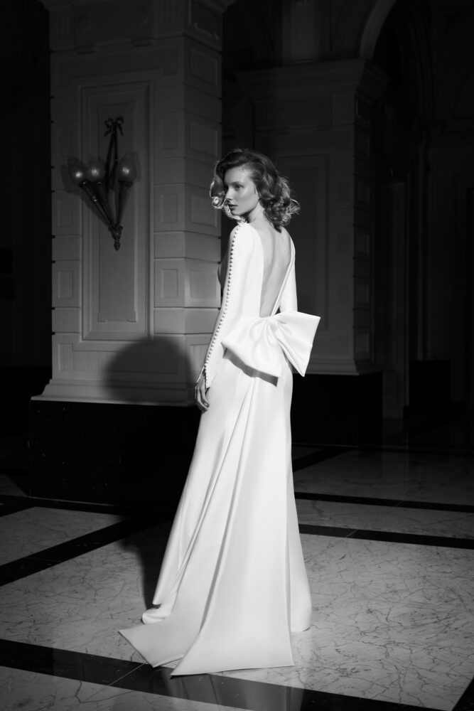 Plunging bow-back gown by Viktor&Rolf