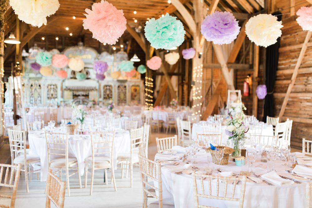 Pom-Pom wedding décor