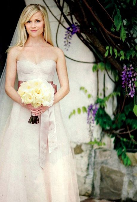 Reese Witherspoon's wedding dress by Monique Lhuillier