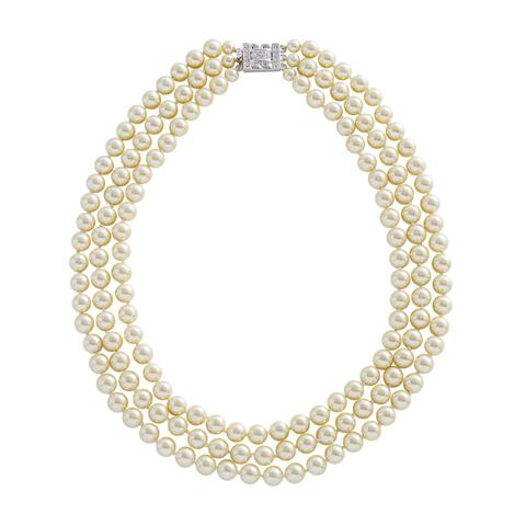 Replica of Jackie Kennedy's pearl necklace