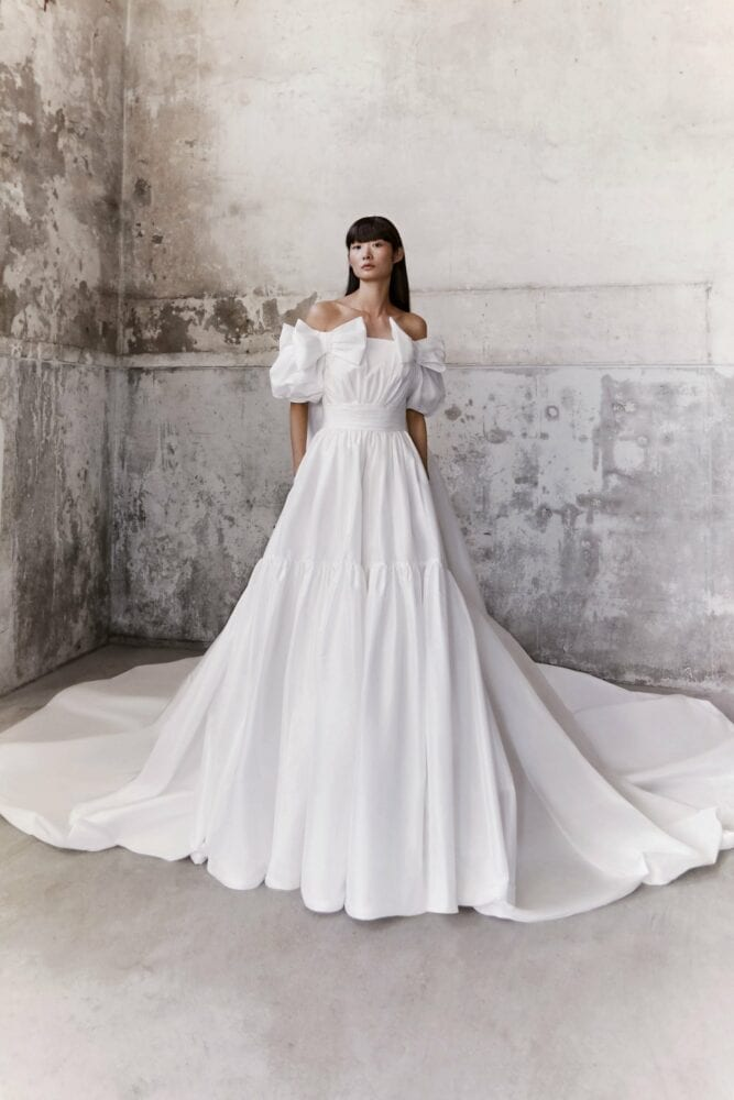 Viktor&Rolf royal bow taffeta gown