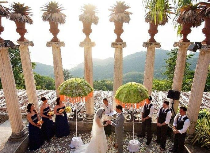 Wedding at Villa Caletas' Amphitheater