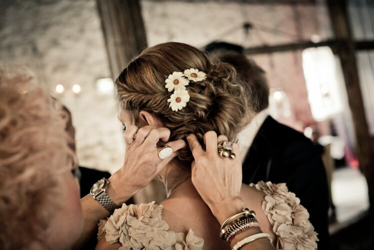 Wedding Hair Coloring Do's & Don'ts