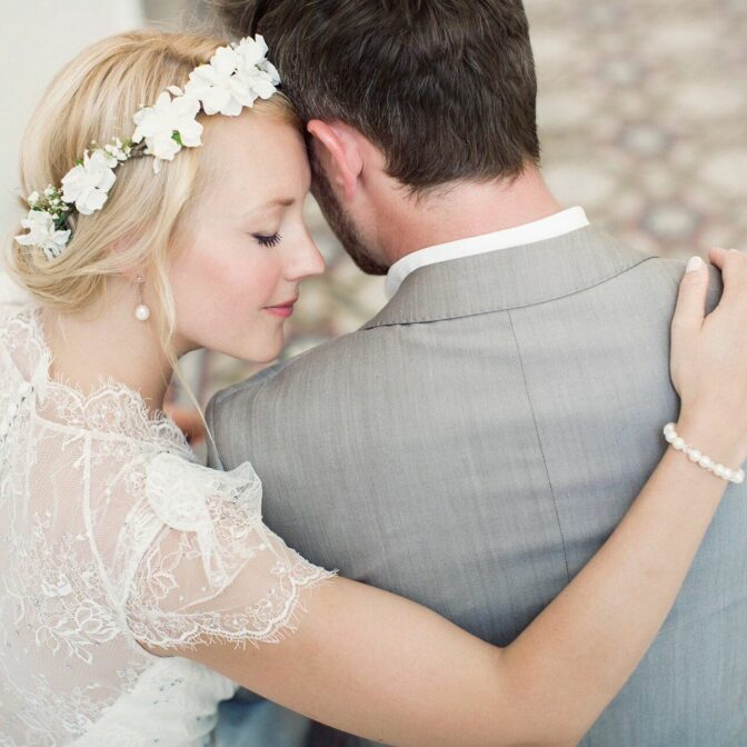 Bride wearing jewelry accessories