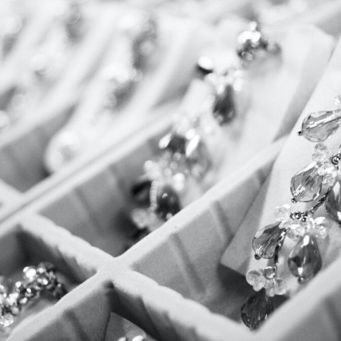 10 Amazing Pieces of Vintage Jewelry