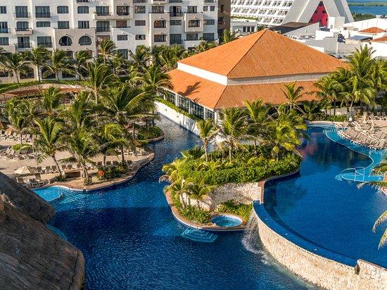 Resort View of Fiesta Americana Condesa Cancun