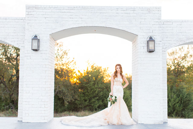 A dreamy, classic ivory bridal session at an all-white wedding venue in North Texas by Ella Burgos