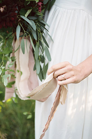 A romantic bridal inspiration shoot in Oregon with locally sourced flowers and ingredients for the cake by Juliet Ashley Photography