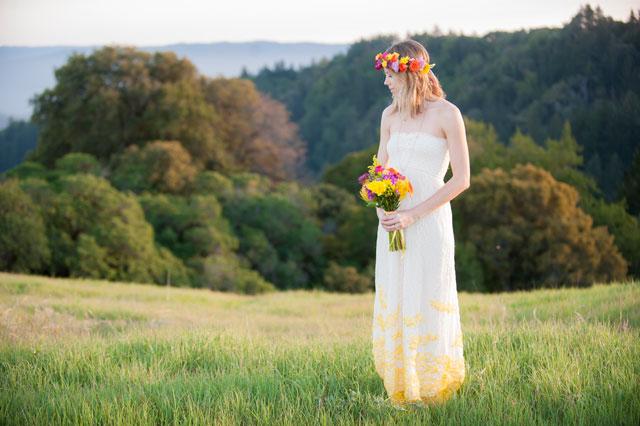 A bridal inspiration shoot at sunset with vibrant citrus colors and bohemian flair | ShootAnyAngle Wedding Photography: http://shootanyangle.com/weddings