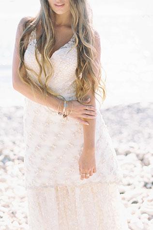 A seaside bridal shoot in Maui featuring a Joelle Perry wedding dress | Wendy Laurel: wendylaurel.com