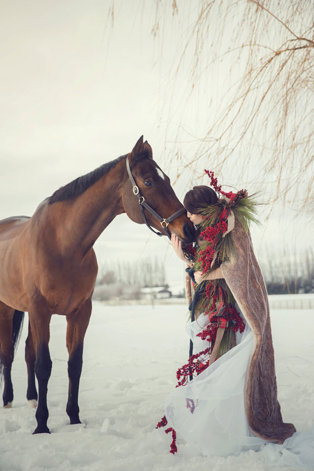Magical winter bridal portraits with a horse and a romantic Old English feel by White Album Weddings