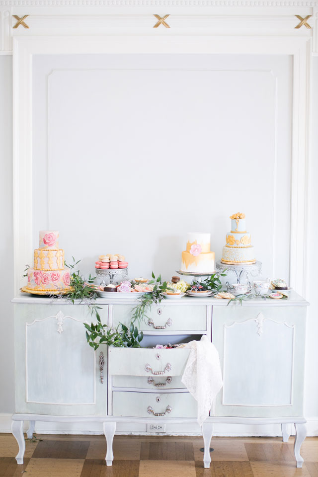 A glamorous Marie Antoinette wedding inspiration shoot at a historic mansion in Denver by Amy Caroline Photography