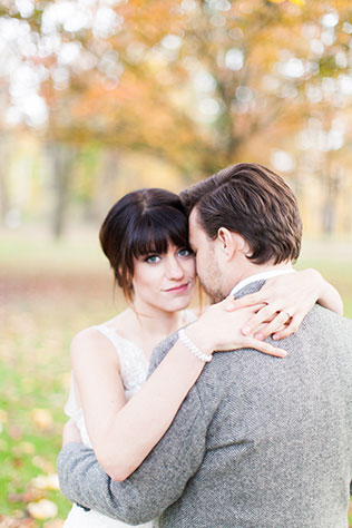 An elegant and organic fall outdoor wedding styled shoot | Andrew Smith Photography: http://andrewsmithweddings.com