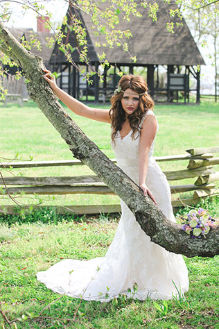 A bridal shoot inspired by effortless bohemian style | Birds of a Feather Photography: birdsofafeatherphotos.com