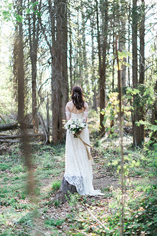 An ethereal woodlands styled shoot inspired by the duality of the Gemini twins | Cadence Kennedy Photography Collection: http://www.cadencekennedy.com | Orchard + Broome: http://www.orchardnbroome.com