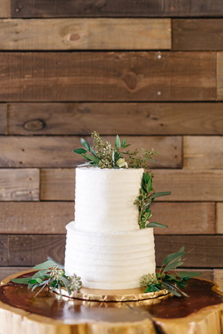 A fun and adventurous winter greenery styled shoot featuring the Pantone color of the year by Casie Marie Photography