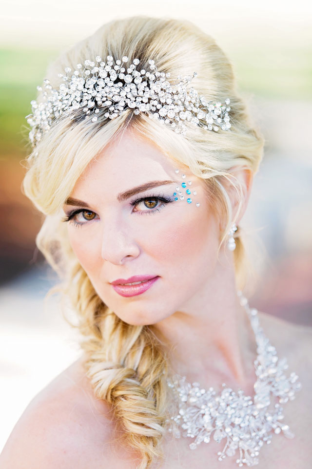 A Frozen-inspired wedding styled shoot featuring the Elsa Wedding Dress from Alfred Angelo's Disney Fairy Tale Bridal collection // photo by Contemporary Captures Photography: http://www.contemporarycaptures.com || see more on https://blog.nearlynewlywed.com