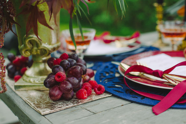 A vintage autumn styled shoot inspired by marsala, the Pantone color of the year | Gwen Ewart Photography: http://www.gwenewart.com
