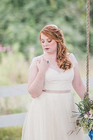 A Guinness inspired wedding styled shoot with vintage decor, plaid details and all things beer by Images by Amber Robinson