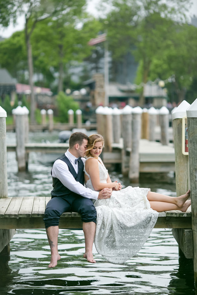 A lakeside wedding inspiration shoot on Lake Minnetonka with details in shades of blue by Jeannine Marie Photography