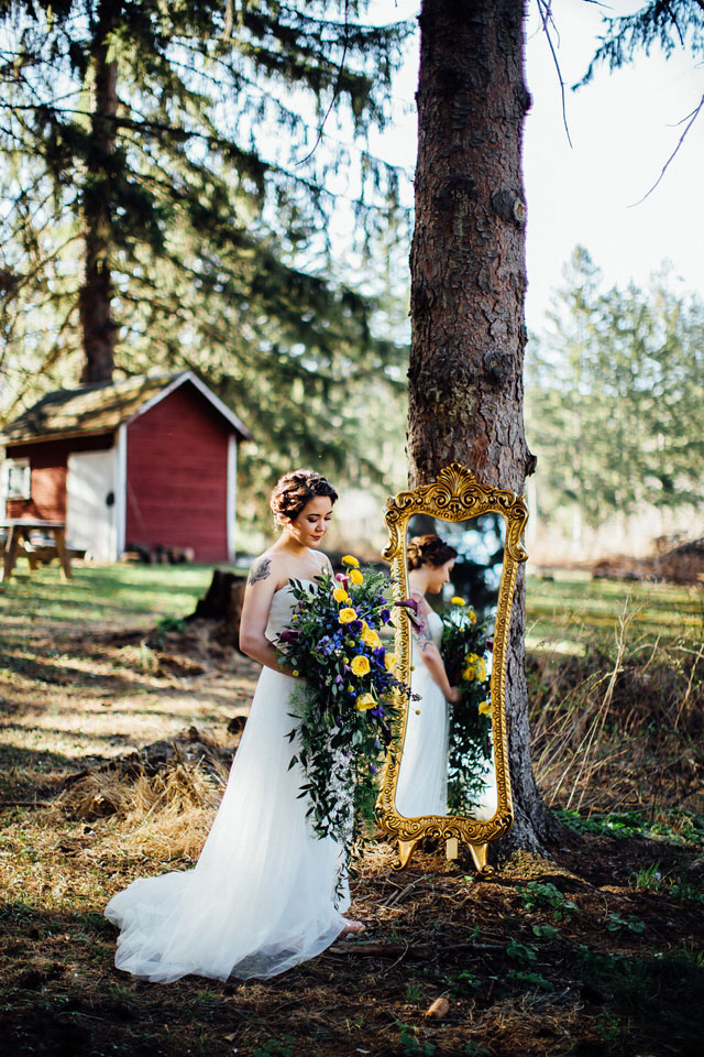 A spectacular celestial inspired styled shoot with a dark, romantic palette of black, gold, deep blue and rich purple by Jessica Manns Photography