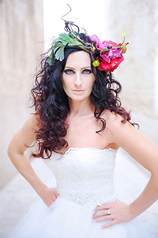 A sexy and bold modern bridal inspiration shoot with an incredible red dress by Bien Savvy and a floral headpiece // photos by JvR Photography: http://www.jvrphotography.co.za/ || see more on https://blog.nearlynewlywed.com