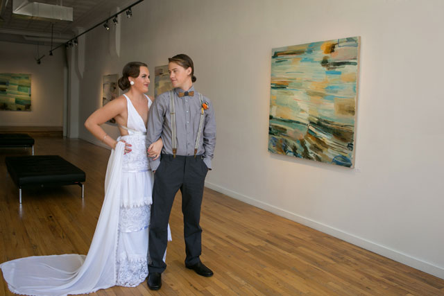 A hipster chic styled shoot in a modern art gallery in Denver // photo by Kristina Lynn Photography & Design: http://www.kristinalynnphoto.com    see more on https://blog.nearlynewlywed.com