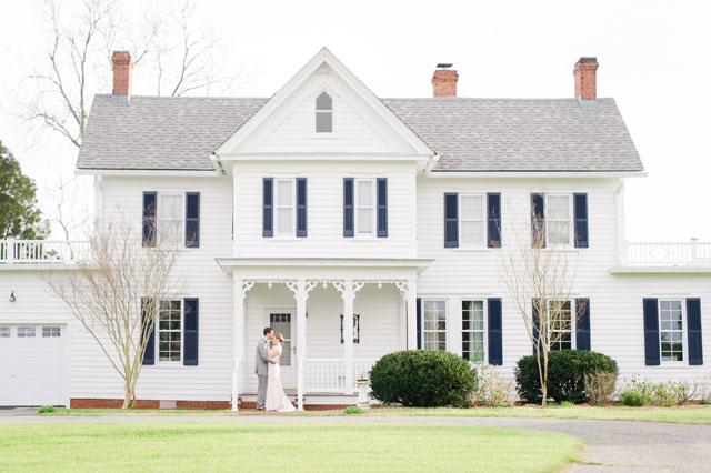 A romantic and sweet Virginia plantation wedding styled shoot featuring a 19th century waterfront estate house by Lauren Simmons Photography