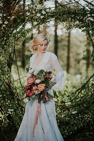 A modern fairy tale wedding styled shoot in the woods with an eco-friendly twist by Marcela Pulido Photography and Rose & Stone