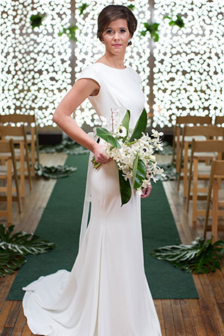 A vibrant and glam mid-century modern wedding inspiration shoot with sparkle by Marissa Cribbs Photography