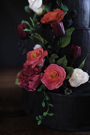 A romantic and lush marsala winter wedding styled shoot in Virginia | Megan Noonan Photography: http://www.megannoonan.com