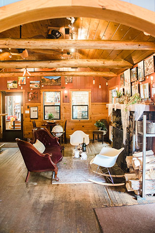 An intimate and eclectic mountain elopement styled shoot in a cozy cafe in Idyllwild by MeghanElise Photography