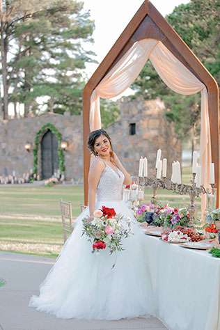 A glam Castle on the Lake styled shoot fit for royalty by Photography by Gema
