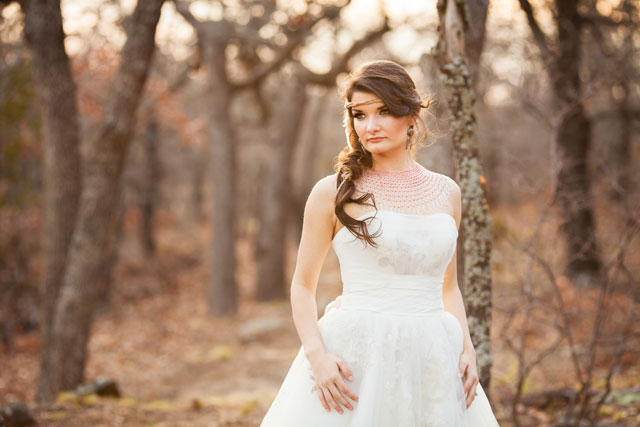 A Native American bridal session celebrating the bride's Choctaw Nation heritage // photo by Picturesque Photos by Amanda: http://www.picturesquephotosbyamanda.com || see more on https://blog.nearlynewlywed.com