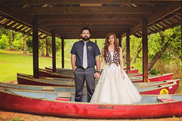 A rustic and woodsy cabin wedding inspiration shoot by Poppy La'Rue Photography and Tailored Events