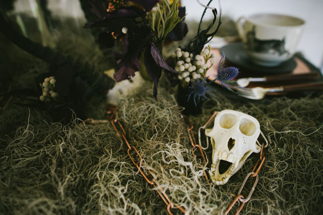 A dark and edgy rock and roll wedding styled shoot with skulls and snakes // photo by Rach Lea Photography: http://www.rachleaphoto.com    see more on https://blog.nearlynewlywed.com